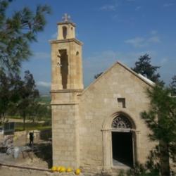 Aναστήλωση της μικρής εκκλησίας στην Αγία Μαρίνα
